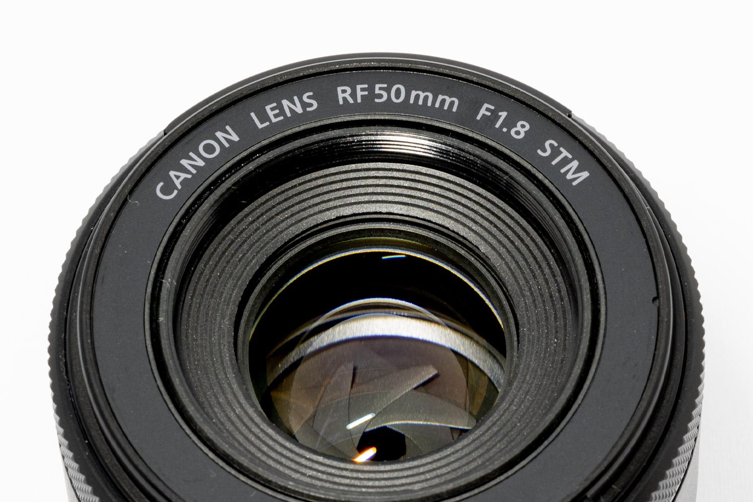 RF50mm F1.8 STM のレンズ面